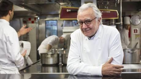 O σεφ με τα περισσότερα βραβεία του κόσμου άνοιξε εστιατόριο στο Παρίσι