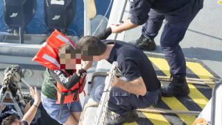 Διάσωση εννέα ατόμων από ακυβέρνητο ιστιοφόρο στον Σαρωνικό