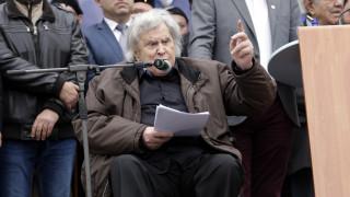 Μίκης Θεοδωράκης κατά Τσίπρα για Λαφαζάνη: Αναμένω κι εγώ τη δική μου κλήση «δι' υπόθεσίν μου»