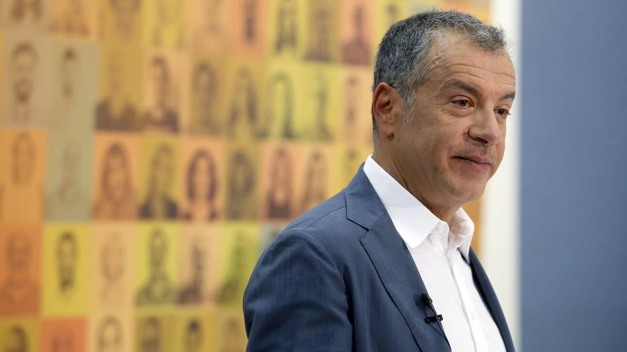 Θεοδωράκης: Να κλείσουμε τον δρόμο στους πολιτικούς που ξεγελούν τους πολίτες