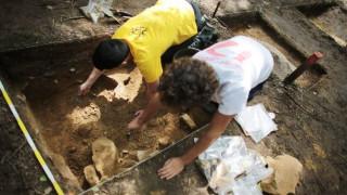 Οι Νεάντερταλ είχαν πολύ επιδέξια χέρια: Τι ανακάλυψαν Έλληνες ερευνητές