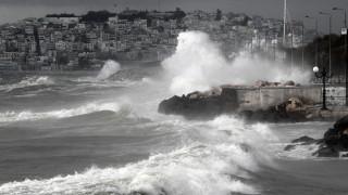 Κακοκαιρία: Σαρώνει ο «Ξενοφών», έρχεται και ο κυκλώνας Ζορμπάς