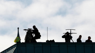 Ελεύθεροι σκοπευτές φυλάνε τον Ερντογάν στο Βερολίνο