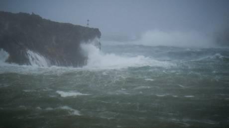 Κυκλώνας Ζορμπάς: Ξεκίνησε η επέλαση, ποιες περιοχές θα πλήξει
