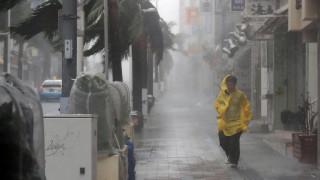 Τραυματίες, ζημιές και προβλήματα από το πέρασμα του τυφώνα Τράμι από την Ιαπωνία