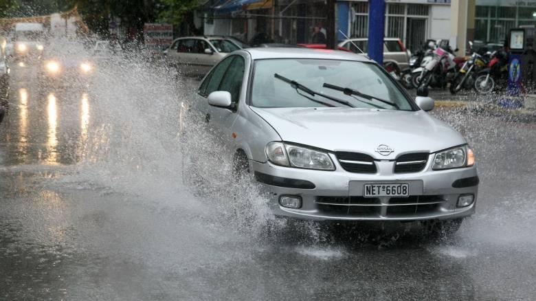 Κυκλώνας Ζορμπάς: Σε ποιους δρόμους έχει διακοπεί η κυκλοφορία