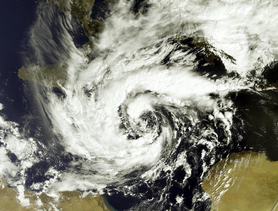 ΜεσογειακόςκυκλώναςΠηγήSentinelESA