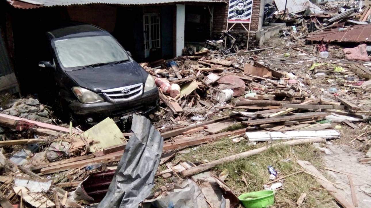 Ινδονησία: Στους 420 οι νεκροί - Το χρονικό των σεισμών στο φονικό «Δαχτυλίδι της Φωτιάς»