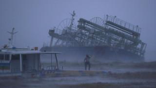 Σαρώνει την Ιαπωνία ο τυφώνας Τράμι: 17 τραυματίες στην Οκινάουα