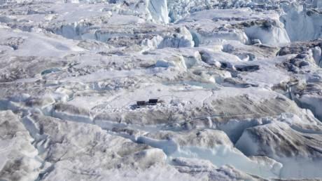 Η κλιματική αλλαγή «χτυπά» τους πάγους στη Γροιλανδία