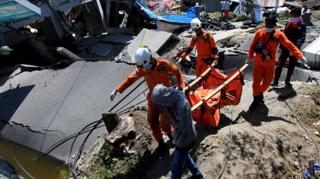 Σεισμός Ινδονησία: 34 σπουδαστές θεολογικής σχολής βρέθηκαν νεκροί σε εκκλησία