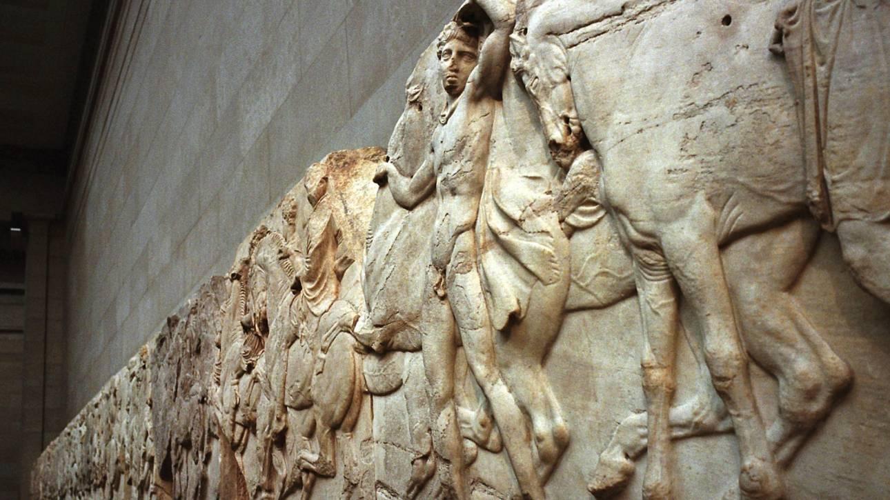Guardian: Αποκαταστήστε τα Γλυπτά του Παρθενώνα στην πλήρη ομορφιά τους στην Αθήνα
