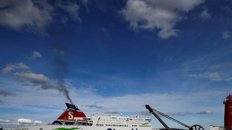Πυρκαγιά σε φέριμποτ με εκατοντάδες επιβάτες στη Βαλτική Θάλασσα