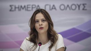 Νέα μέτρα κατά της ανεργίας παρουσίασε η υπουργός Εργασίας