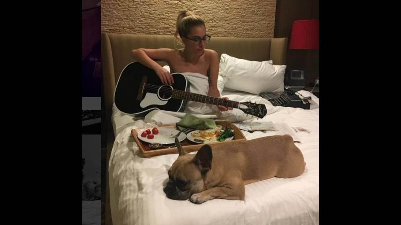 https://cdn.cnngreece.gr/media/news/2018/10/04/149460/photos/snapshot/LadyGaga3_MGZOOM.JPG
