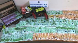 Σύλληψη δύο ατόμων στη Νέα Σμύρνη για εξαπάτηση πολιτών