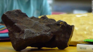 Χρησιμοποιούσε ως σφήνα πόρτας έναν μετεωρίτη αξίας… 100.000 δολαρίων!