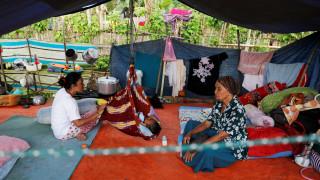 Ινδονησία: Τέσσερα μωρά γεννήθηκαν σε πλωτό νοσοκομείο μετά τον φονικό σεισμό