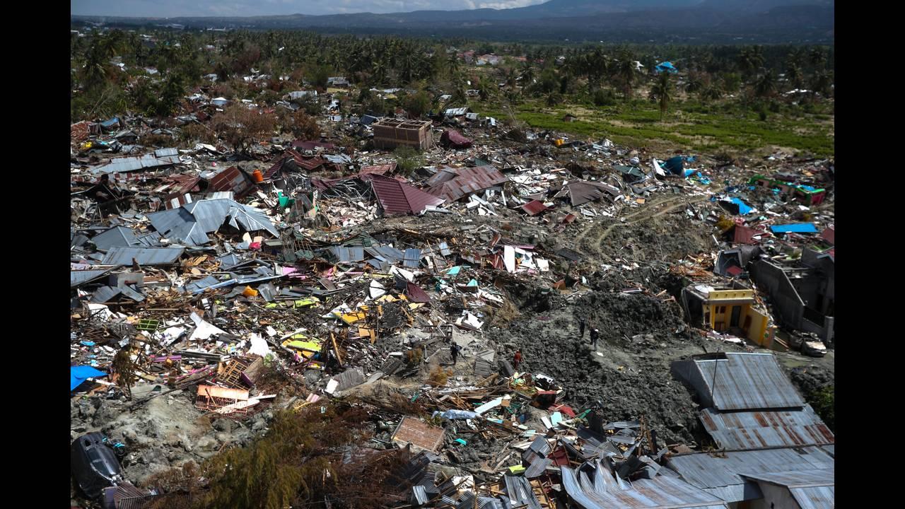 https://cdn.cnngreece.gr/media/news/2018/10/07/149767/photos/snapshot/2018-10-07T040252Z_2018221175_RC19BCB961F0_RTRMADP_3_INDONESIA-QUAKE.JPG