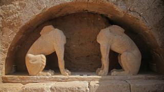 Αμφίπολη: Ξενάγηση στα άδυτα του ταφικού μνημείου του λόφου Καστά