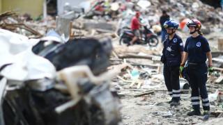 Ινδονησία: «Καμία ελπίδα για επιζώντες» - Αγγίζουν τους 2.000 οι νεκροί