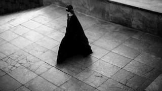 Εβδομάδα Μόδας: Μάγισσες & πρωθιέρειες σε παριζιάνικη πυρά για τον Rick Owens