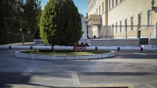 Εισβολή ΙΧ στο Βουλή: Στο 1,30 μετρήθηκε το αλκοόλ στο αίμα του οδηγού