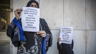 Με πρόσφυγες που έφυγαν από τη Μαλακάσα συναντήθηκε ο Δ. Βίτσας