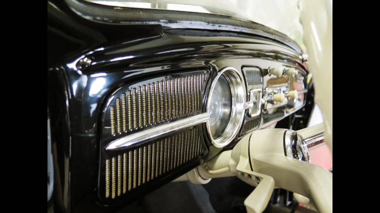 https://cdn.cnngreece.gr/media/news/2018/10/09/149984/photos/snapshot/VW-BEETLE-1964-12.jpg