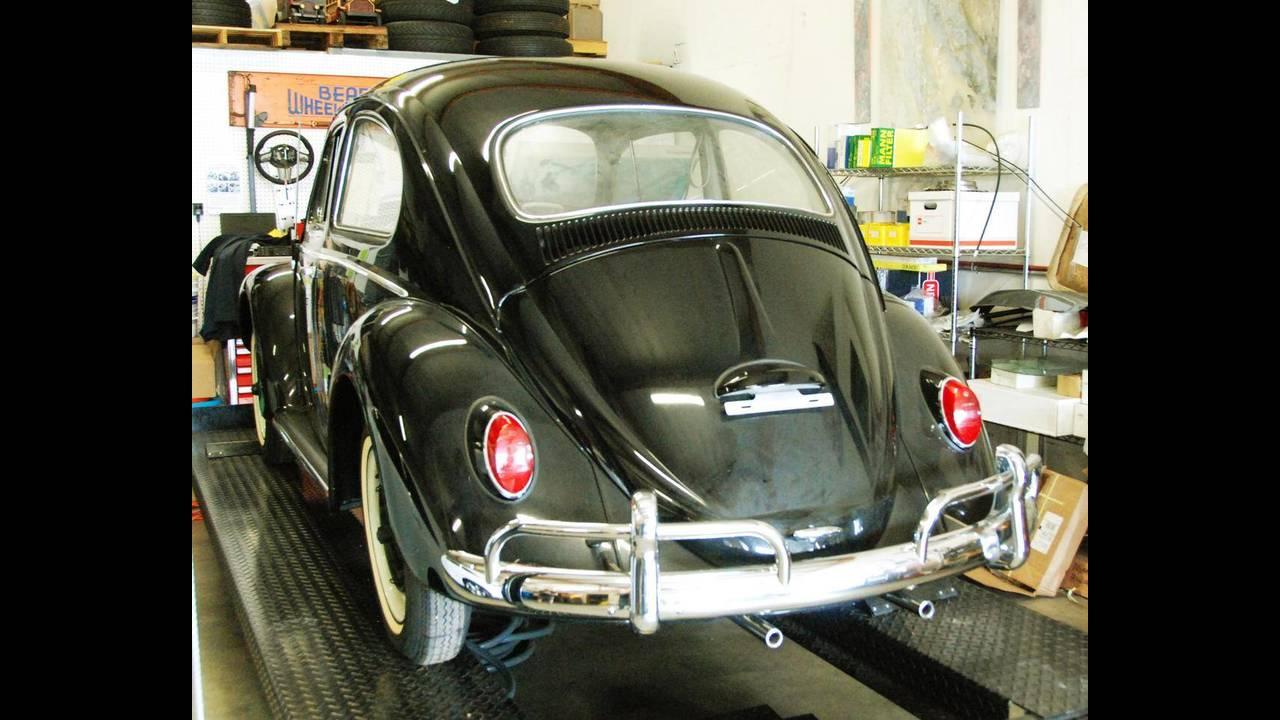 https://cdn.cnngreece.gr/media/news/2018/10/09/149984/photos/snapshot/VW-BEETLE-1964-2.jpg
