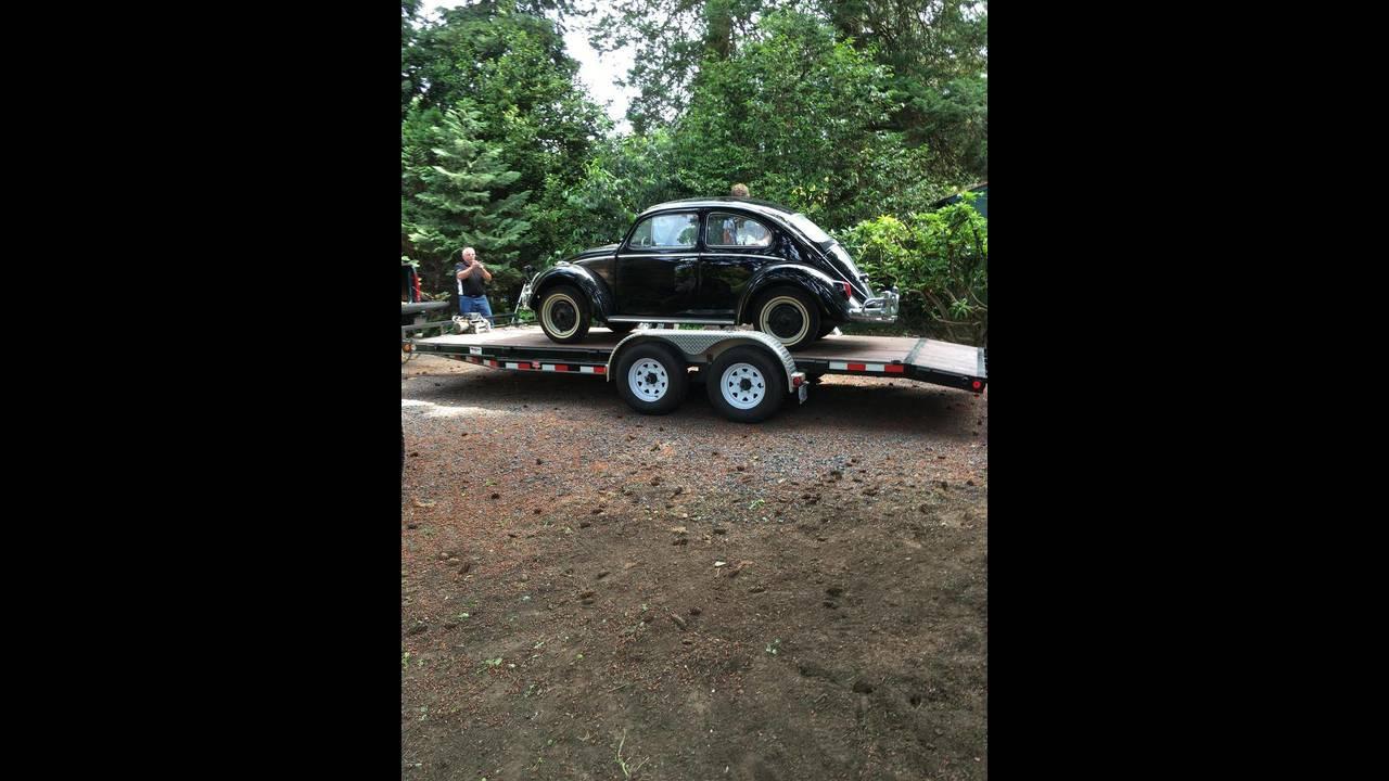 https://cdn.cnngreece.gr/media/news/2018/10/09/149984/photos/snapshot/VW-BEETLE-1964-24.jpg