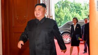 Βόρεια Κορέα: Ο Κιμ «απαρνήθηκε» τη λιμουζίνα του και κυκλοφορεί με νέο πολυτελές αυτοκίνητο