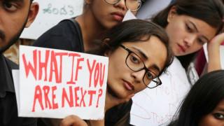 To #MeToo σαρώνει την Ινδία - Για σεξουαλική παρενόχληση κατηγορείται υπουργός