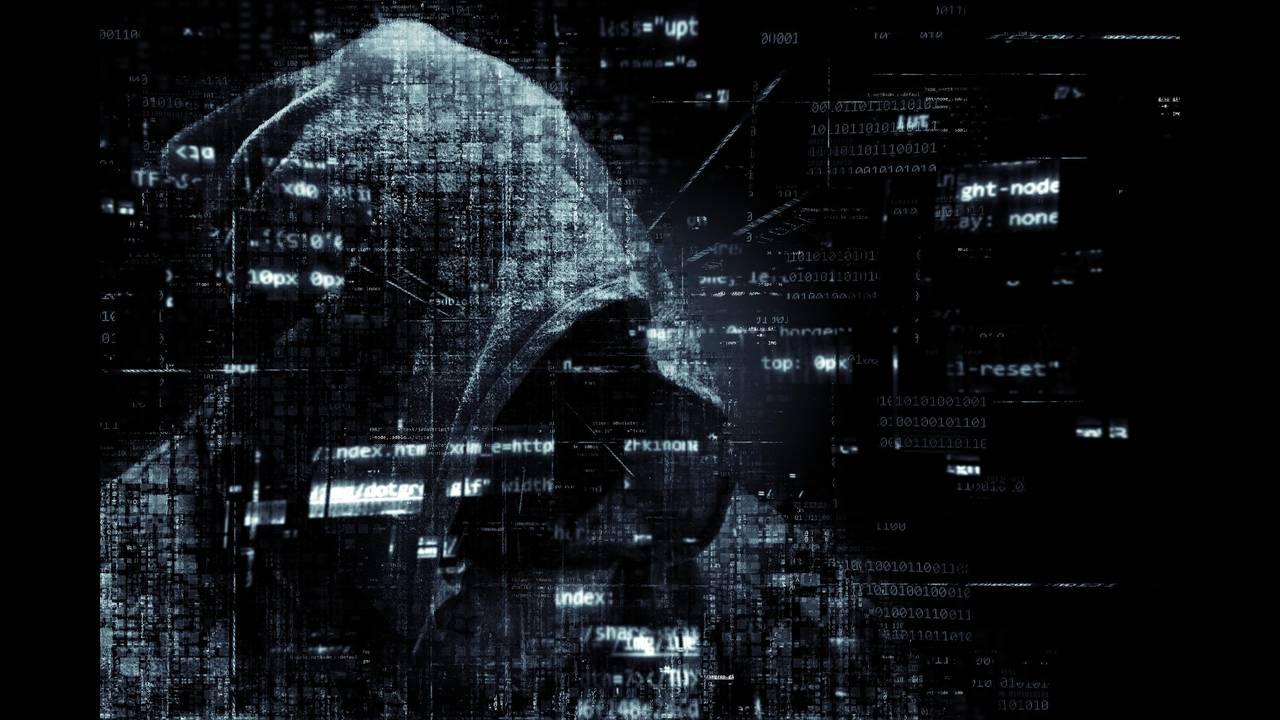 https://cdn.cnngreece.gr/media/news/2018/10/12/150401/photos/snapshot/hacker-2300772_1920.jpg