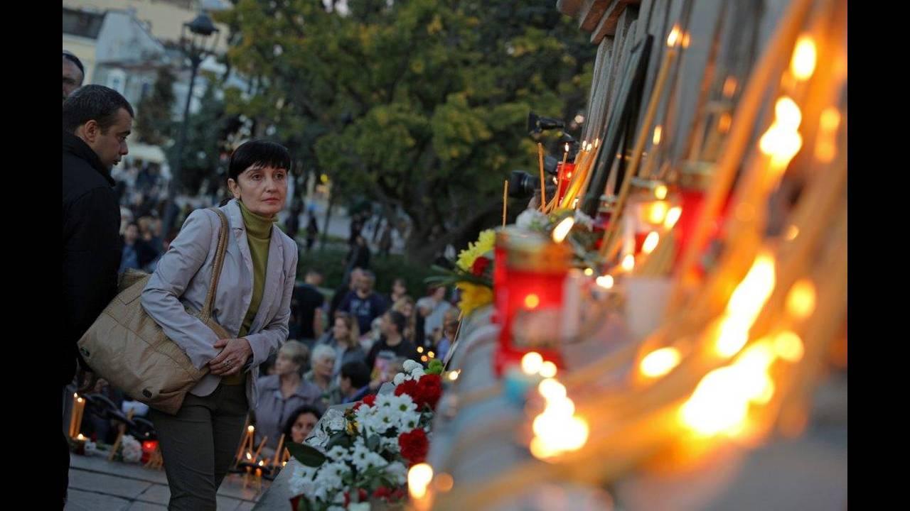 https://cdn.cnngreece.gr/media/news/2018/10/12/150436/photos/snapshot/2018-10-08T160729Z_1670442786_RC1371CAC7A0_RTRMADP_3_BULGARIA-MURDER-VIGIL.jpg