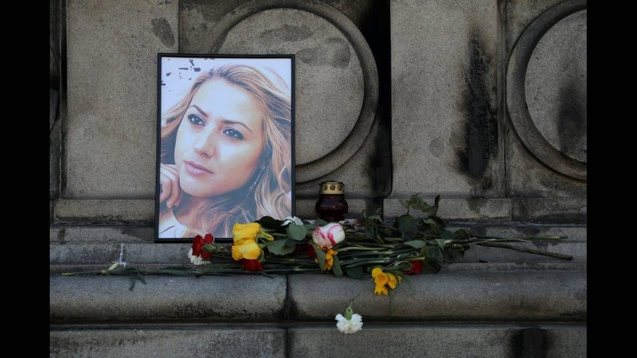 https://cdn.cnngreece.gr/media/news/2018/10/12/150436/photos/snapshot/2018-10-09T091032Z_51552902_RC1F1F2BE140_RTRMADP_3_BULGARIA-MURDER.jpg