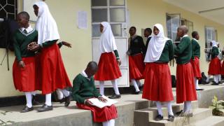 Το σχολείο που «κλείνει την πόρτα» σε έγκυες μαθήτριες
