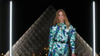Εβδομάδα Μόδας: τo Λούβρο του Louis Vuitton στην κορυφή του Instagram