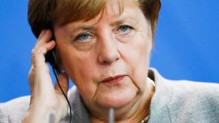 Μέρκελ: Να φροντίσουμε την ασφάλεια των εξωτερικών συνόρων δείχνοντας αλληλεγγύη