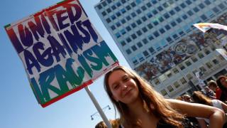 #unteilbar: Χιλιάδες διαδηλωτές στους δρόμους του Βερολίνου κατά του ρατσισμού