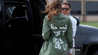H Μελάνια Τραμπ λύνει το μυστήριο με το μπουφάν: Το «δεν με νοιάζει» ήταν ένα μήνυμα