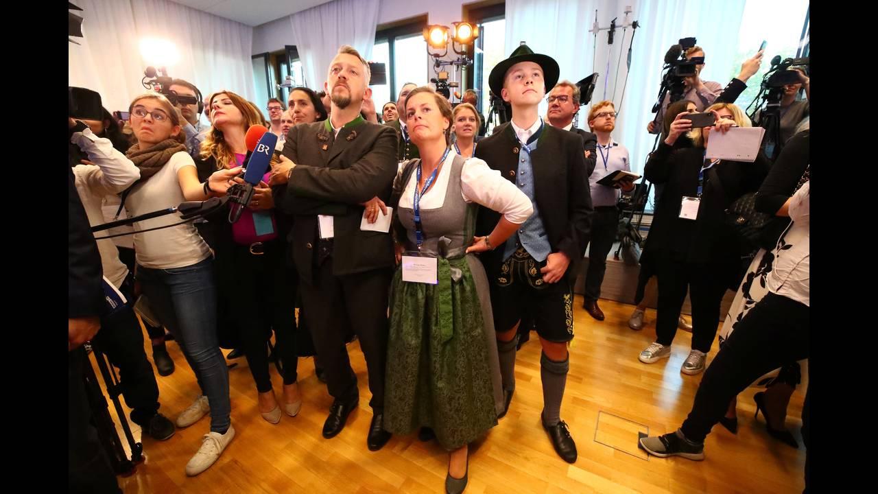 https://cdn.cnngreece.gr/media/news/2018/10/14/150692/photos/snapshot/2018-10-14T162123Z_608095934_RC181D365E90_RTRMADP_3_GERMANY-POLITICS-BAVARIA-REACTIONS.JPG