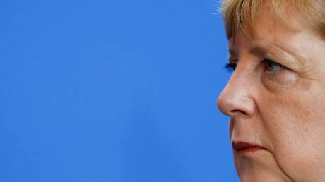 Γερμανία: Ραγδαίες εξελίξεις πυροδοτεί το εκλογικό πλήγμα της Μέρκελ