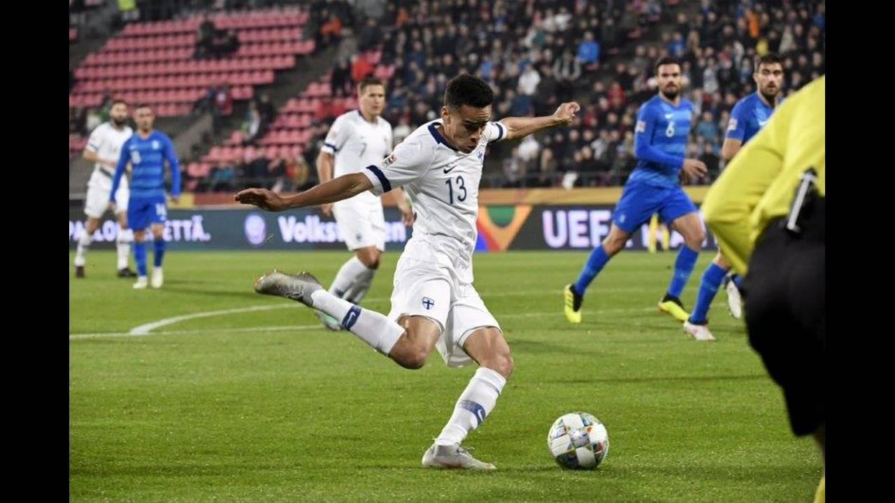 https://cdn.cnngreece.gr/media/news/2018/10/16/150843/photos/snapshot/2018-10-15T193703Z_305353556_RC124181E500_RTRMADP_3_SOCCER-UEFA-NATIONS-FIN-GRC.jpg