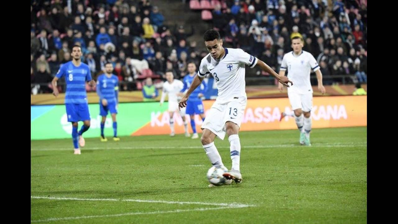 https://cdn.cnngreece.gr/media/news/2018/10/16/150843/photos/snapshot/2018-10-15T200546Z_1597559033_RC1AFC7E30B0_RTRMADP_3_SOCCER-UEFA-NATIONS-FIN-GRC.jpg