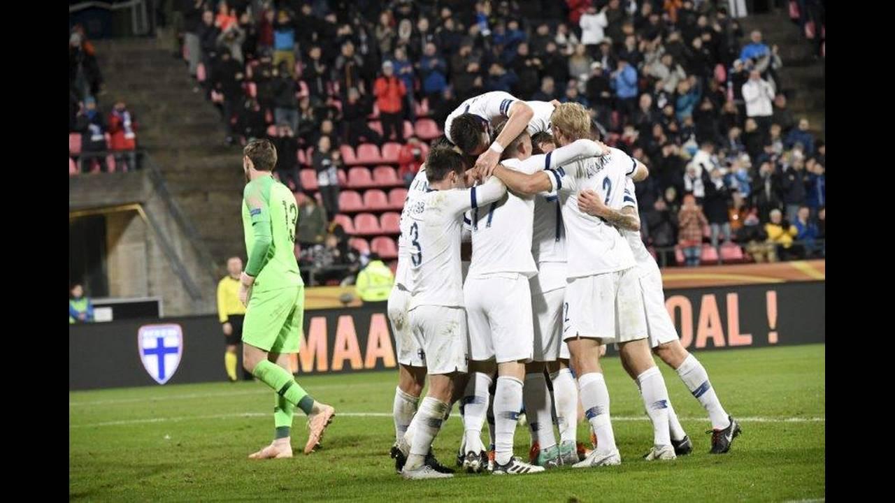 https://cdn.cnngreece.gr/media/news/2018/10/16/150843/photos/snapshot/2018-10-15T210011Z_1824287338_RC13A8DC5060_RTRMADP_3_SOCCER-UEFA-NATIONS-FIN-GRC.jpg