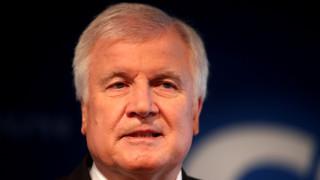 Γερμανία: Πρόταση για αντικατάσταση του Ζεεχόφερ μετά το εκλογικό «χαστούκι» στη Βαυαρία