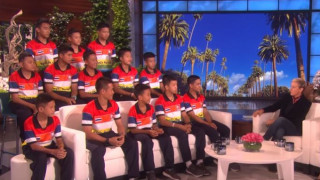 Η μεγάλη έκπληξη που περίμενε τους «Αγριόχοιρους» στην εκπομπή της Έλεν ντε Τζένερις