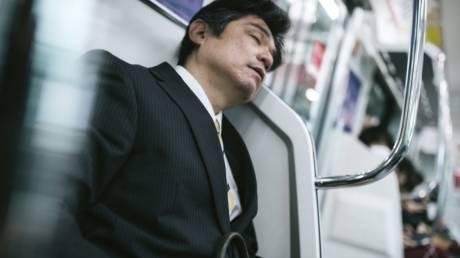 Inemuri: Η ιαπωνική τέχνη του δημόσιου ύπνου