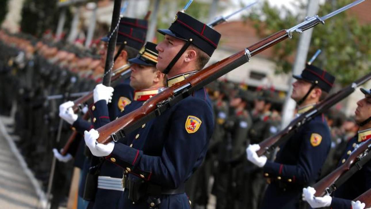 Αναδρομικά επιδόματα εορτών και αδείας 2.500 ευρώ διεκδικούν οι στρατιωτικοί